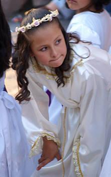 A little girl dressed as an