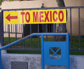 To Mexico border sign